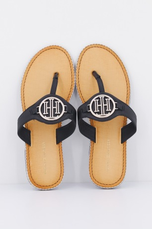 ESSENTIAL LEATHER FLAT S